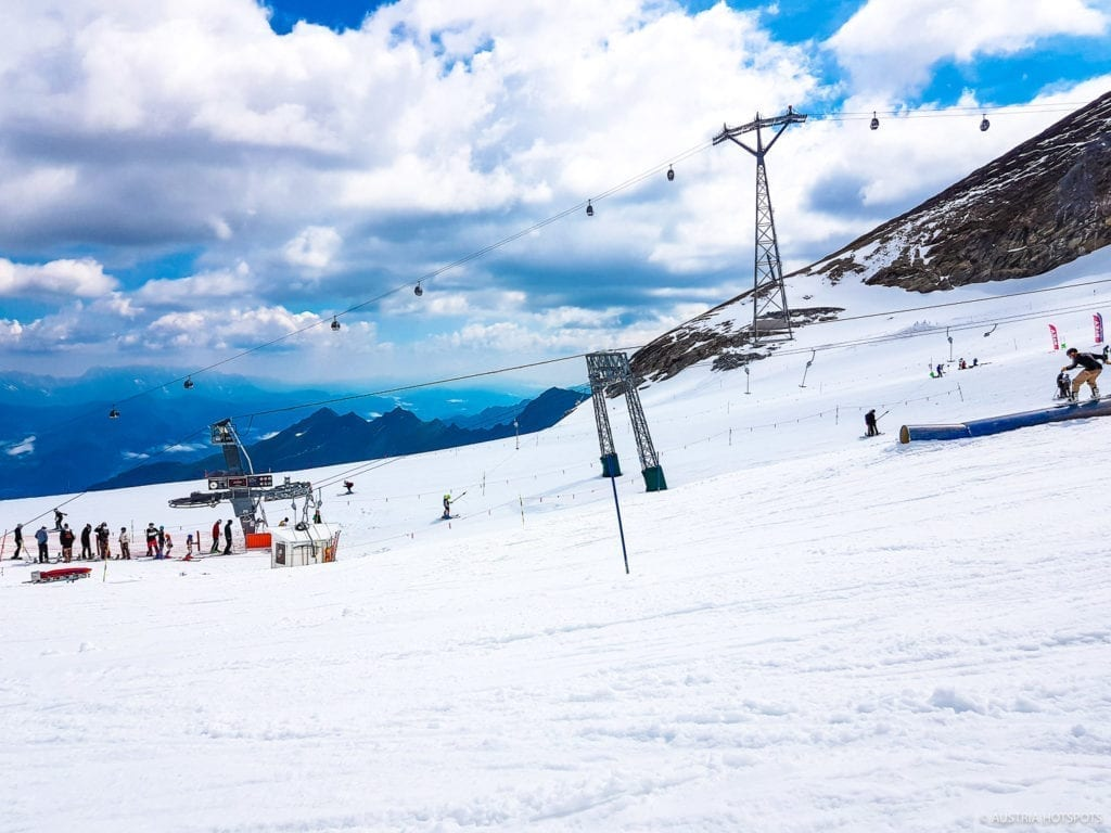 Kitzsteinhorn glacier lifts